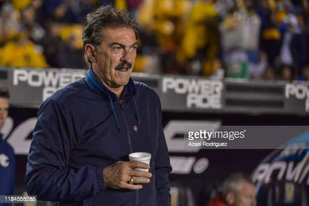 Ricardo La Volpe coach of Toluca is seen in the field prior of the 16th round match between Tigres UANL and Toluca as part of the Torneo Apertura...