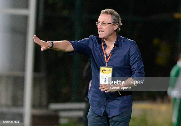 Ricardo Lunari coach of Millonarios gives instructions to his players during a match between Patriotas FC and Millonarios as part of Liga Aguila II...