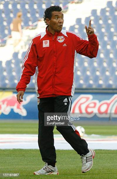 Ricardo Moniz coach of FC Red Bull Salzburg during the Austrian Bundesliga match between FC Red Bull Salzburg and SK Sturm Graz held on August 21...