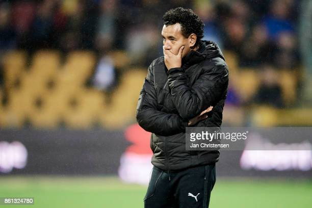 Ricardo Moniz head coach of Randers FC looks dejected during the Danish Alka Superliga match between FC Nordsjalland and Randers FC at Right to Dream...