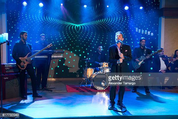 Ricardo Montaner is seen performing on the set of Despierta America at Univision Studios on October 24 2016 in Miami Florida