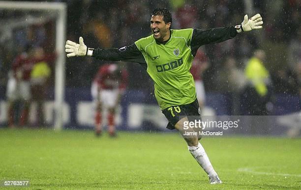 Ricardo of Lisbon celebrates the winning goal during the UEFA Cup semi-final, second leg match between AZ Alkmaar and Sporting Lisbon at the De...