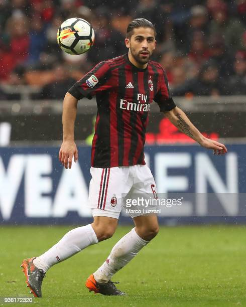 Ricardo Rodriguez of AC Milan controls the ball during the serie A match between AC Milan and AC Chievo Verona at Stadio Giuseppe Meazza on March 18...