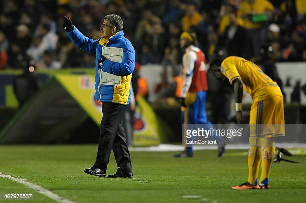 Ricardo 'Tuca' Ferretti coach of Tigres during a match between Tigres UANL and Santos Laguna as part of the Clausura 2014 Liga MX at Universitario...