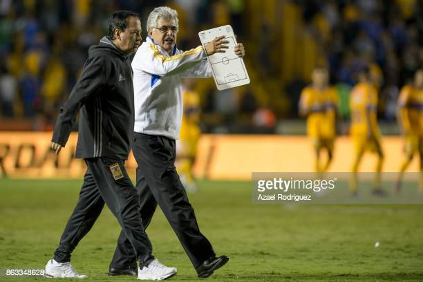 Ricardo 'Tuca' Ferretti coach of Tigres gestures at the end of the 10th round match between Tigres UANL and Veracruz as part of the Torneo Apertura...