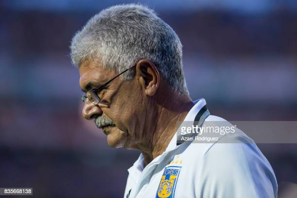 Ricardo 'Tuca' Ferretti coach of Tigres gets in the field during the 5th round match between Tigres and Pumas as part of the Torneo Apertura 2017...