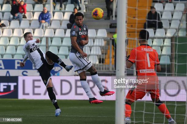 Riccardo Gagliolo of Parma Calcio scores the opening goal during the Serie A match between Parma Calcio and Udinese Calcio at Stadio Ennio Tardini on...