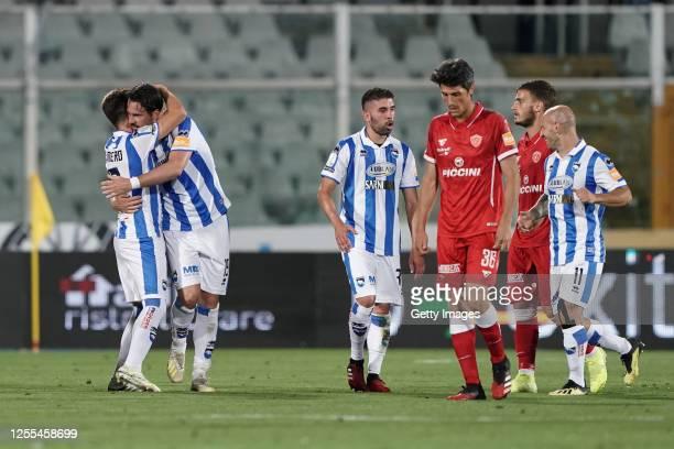 Riccardo Maniero of Pescara Calcio celebrates after scoring a goal during the Serie B match between Pescara Calcio and AC Perugia at Adriatico...