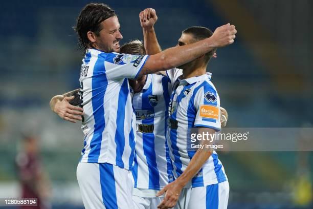 Riccardo Maniero of Pescara Calcio celebrates with his teammates after scoring a goal during the serie B match between Pescara Calcio and AS Livorno...
