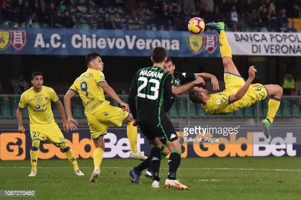 Riccardo Meggiorini of Chievo Verona misses a goal during the Serie A match between Chievo Verona and US Sassuolo at Stadio Marc'Antonio Bentegodi on...