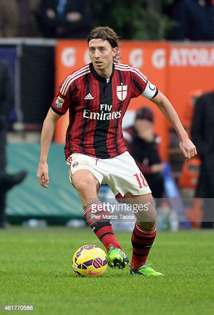 Riccardo Montolivo of AC Milan in action during the Serie A match between AC Milan and Atalanta BC at Stadio Giuseppe Meazza on January 18 2015 in...
