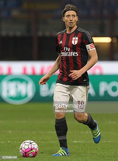 Riccardo Montolivo of AC Milan in action during the Serie A match between AC Milan and Carpi FC at Stadio Giuseppe Meazza on April 21 2016 in Milan...