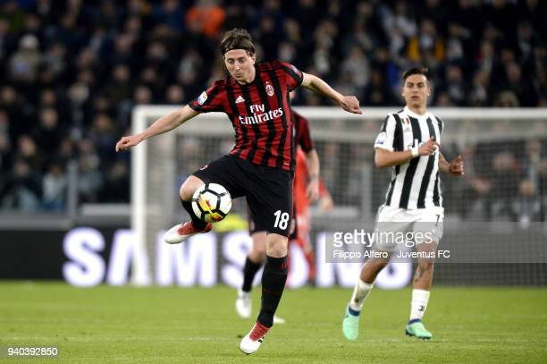 Riccardo Montolivo of AC Milan in action during the serie A match between Juventus and AC Milan at Allianz Stadium on March 31 2018 in Turin Italy