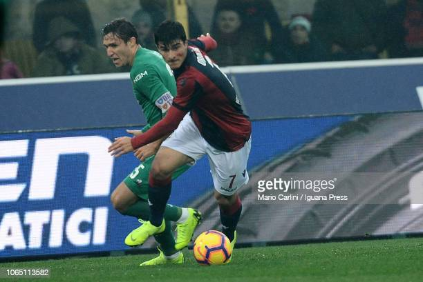 Riccardo Orsolini of Bologna FC in action during the Serie A match between Bologna FC and ACF Fiorentina at Stadio Renato Dall'Ara on November 25...