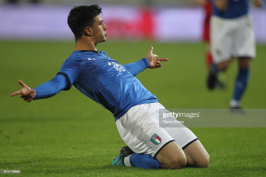 Riccardo Orsolini of Italy celebrates after scoring the team's third goal during the international friendly match between Italy U21 and Russia U21 on November 14, 2017 in Frosinone, Italy.