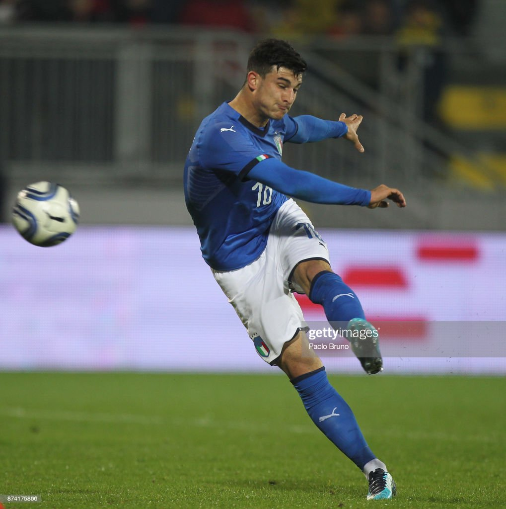 Riccardo Orsolini of Italy scores the team's third goal during the international friendly match between Italy U21 and Russia U21 on November 14, 2017 in Frosinone, Italy.
