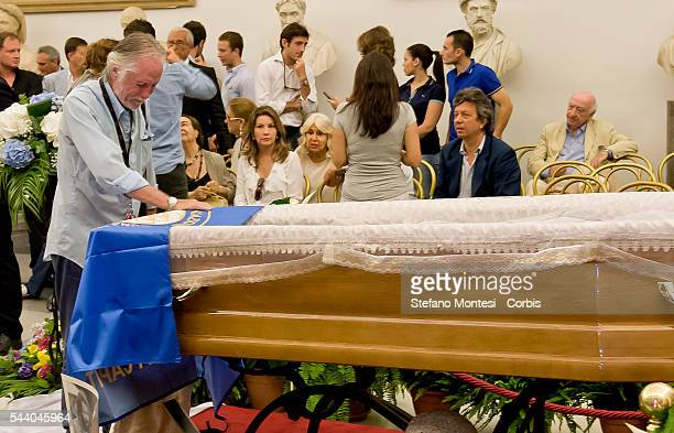 Riccardo Pizzuti actor in films of the couple Bud Spencer and Terence Hill as bad cries in front the coffin of Italian actor Bud Spencer lying in...