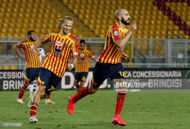 Riccardo Saponara of Lecce celebrates after scoring his team's third goal during the Serie A match between US Lecce and Brescia Calcio at Stadio Via...