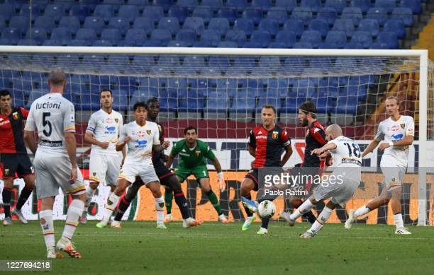 Riccardo Saponara of US Lecce takes a free kick during the Serie A match between Genoa CFC and US Lecce at Stadio Luigi Ferraris on July 19, 2020 in...
