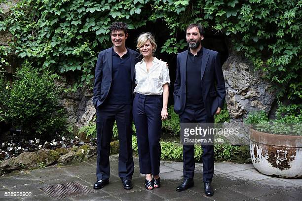 Riccardo Scamarcio Marina Fois and director Stefano Mordini attend a photocall for 'Pericle Il Nero' at Jardin De Russie on May 7 2016 in Rome Italy
