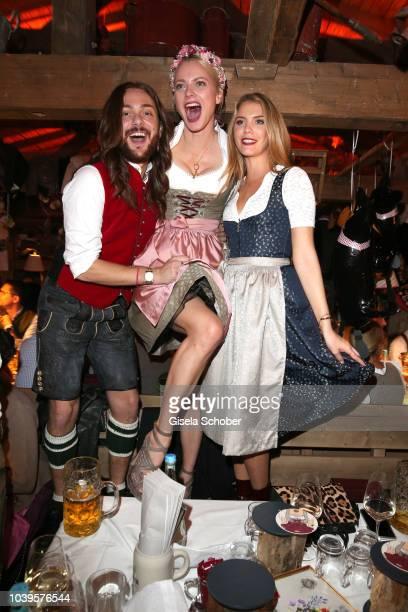 Riccardo Simonetti Franziska Knuppe and Viviane Geppert during the Oktoberfest 2018 Angermaier Wiesn at Kaeferschaenke at Theresienwiese on September...