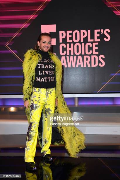 """Riccardo Simonetti receives the """"German Personality of 2020"""" as part of the """"E! People's Choice Awards"""" on October 29, 2020 in Munich, Germany."""