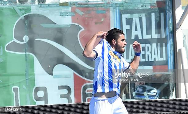 Riccardo Sottil of Pescara Calcio celebrates after scoring the opening goal during the Serie B match between Pescara Calcio and Hellas Verona at...