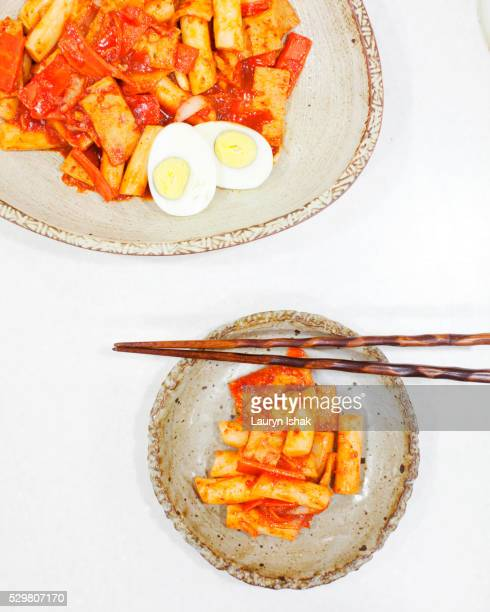 rice cake - lauryn ishak stock pictures, royalty-free photos & images