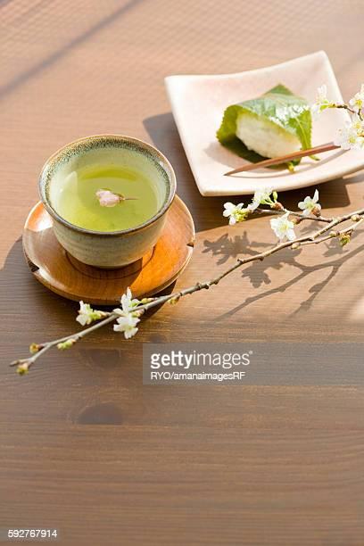 Rice dumplings and green tea