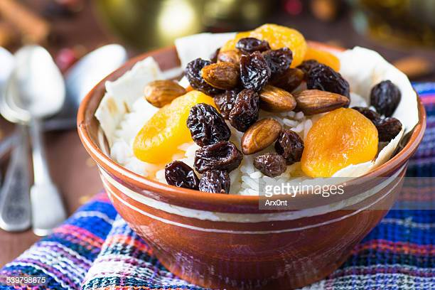 Rice with dried fruits and almonds