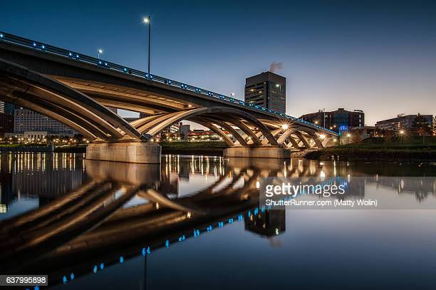 rich street bridge - columbus ohio stock pictures, royalty-free photos & images