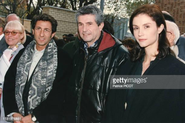 Richard Anconina Claude Lelouch et Alessandra Martines lors de l'inauguration de la rue Paul Belmondo en hommage à son père sculpteur en novembre...