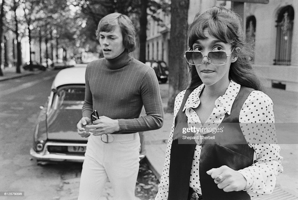 Richard and Karen Carpenter Crossing a Street : News Photo