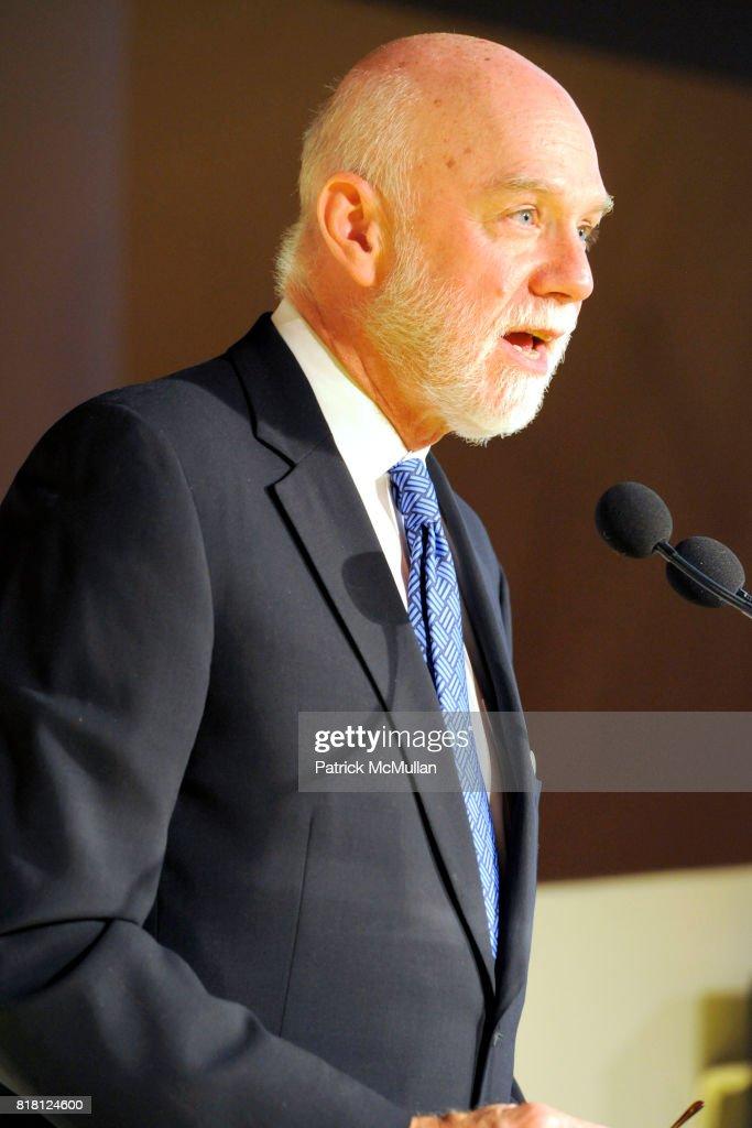 Richard Armstrong attends 2010 GUGGENHEIM International Gala at