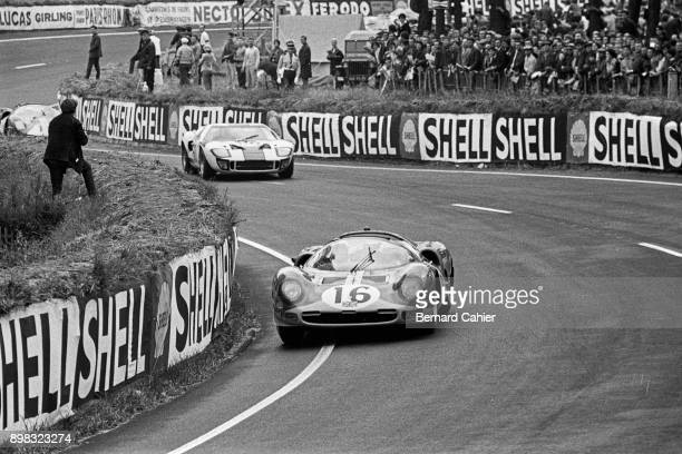 Richard Attwood Jacky Ickx Ferrari 365P2 Ford GT40 24 Hours of Le Mans Le Mans 19 June 1966