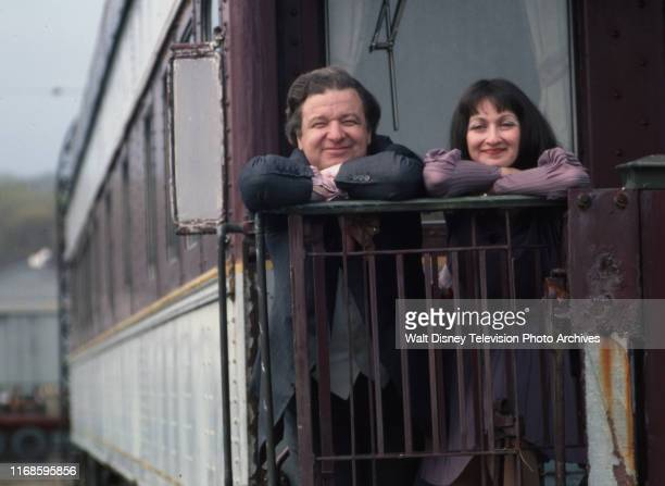 Richard B Shull Marilyn Sandra Swartz at home at their renovated train car slice of life / behind the scenes for the ABC tv series 'Holmes Yoyo'