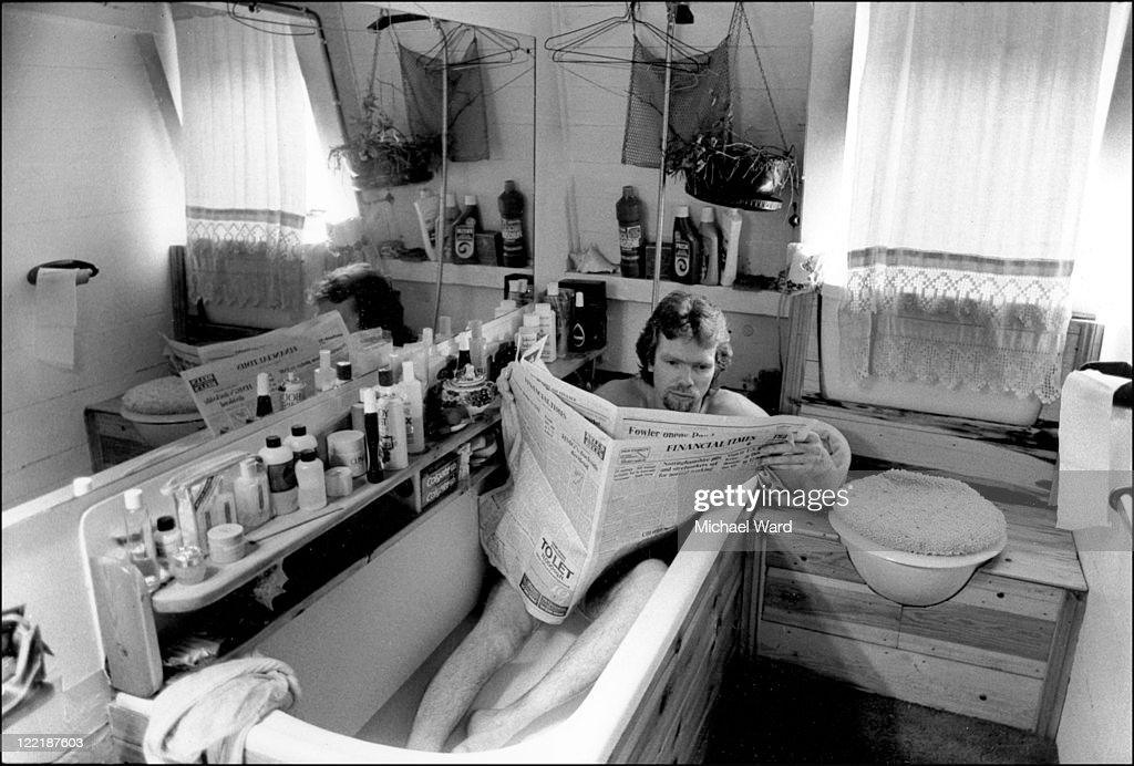 Branson In The Bath : News Photo
