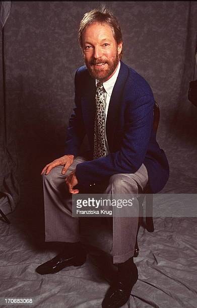1 Richard Chamberlain Stock Photos And Pictures Getty Images
