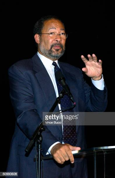 Richard D Parsons the Chairman and CEO of Time Warner Inc gestures as he speaks at a luncheon honoring entertainment industry executive Robert A Daly...