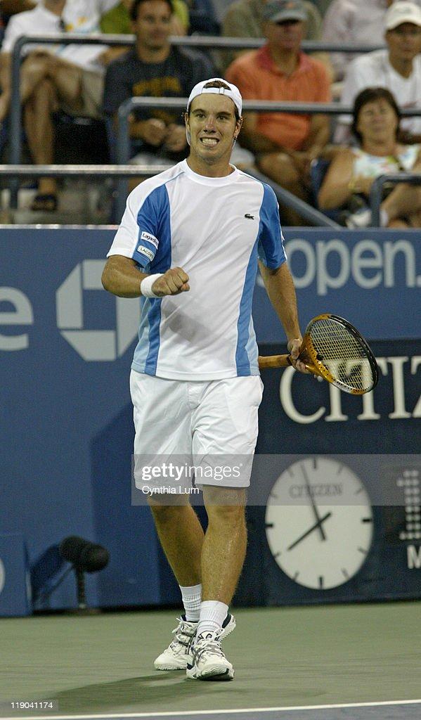 2005 US Open - Men's Singles - Second Round - Giorgio Galimberti vs Richard Gasquet : ニュース写真