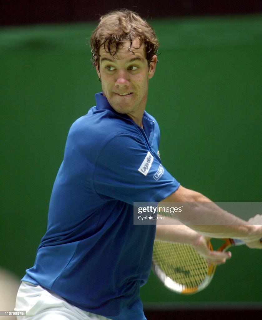 Australian Open 2006 - Men's Singles - First Round -  Tommy Haas vs Richard Gasquet : ニュース写真