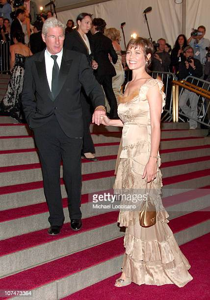 Richard Gere and Carey Lowell during AngloMania Costume Institute Gala at The Metropolitan Museum of Art Arrivals Celebrating AngloMania Tradition...