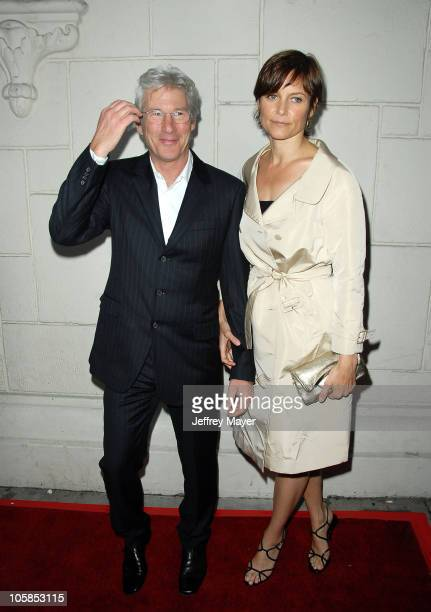 Richard Gere and Carey Lowell during The Hoax Los Angeles Premiere Arrivals at Mann's Festival Theatre in Westwood California United States