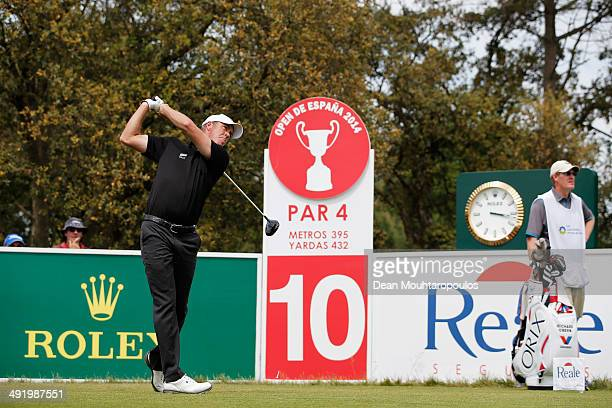 Richard Green of Australia looks on after he hits his tee shot on the 10th hole during the final round of the Open de Espana held at PGA Catalunya...