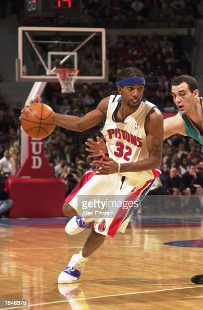 Richard Hamilton of the Detroit Pistons drives to the basket during the NBA game against the New Orleans Hornets at the Palace of Auburn Hills on...