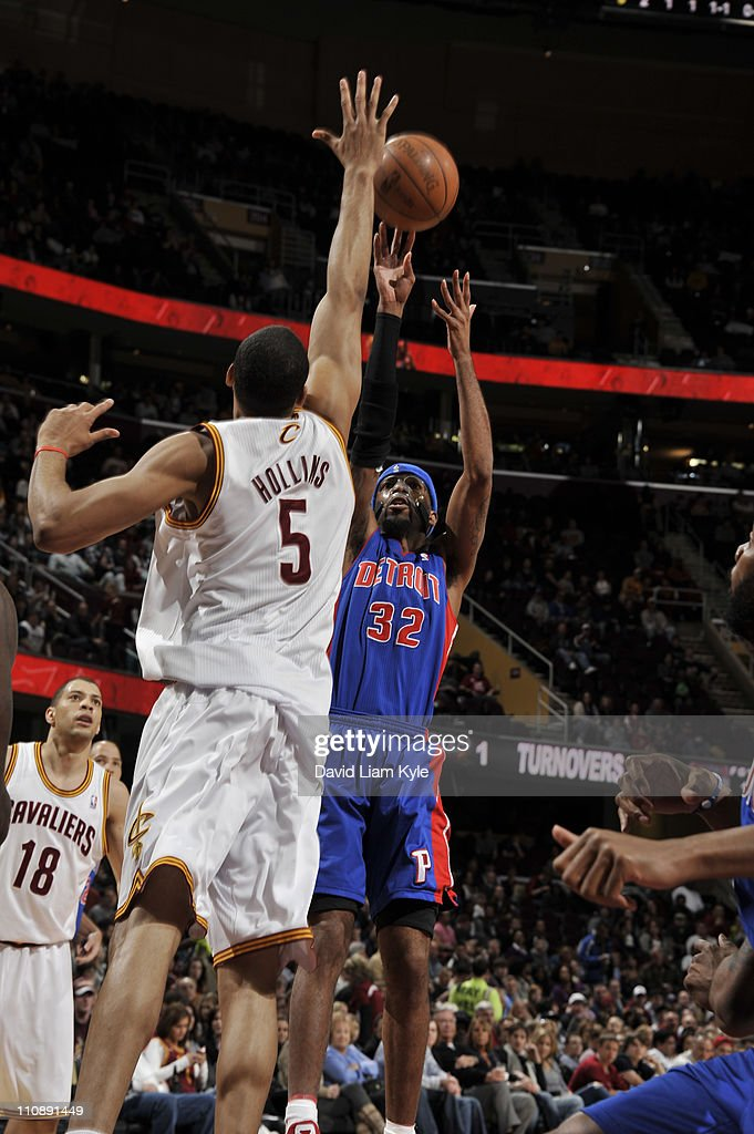 Richard Hamilton #32 of the Detroit Pistons shoots against Ryan Hollins #5 of the Cleveland Cavaliers during the game at The Quicken Loans Arena on March 25, 2011 in Cleveland, Ohio.