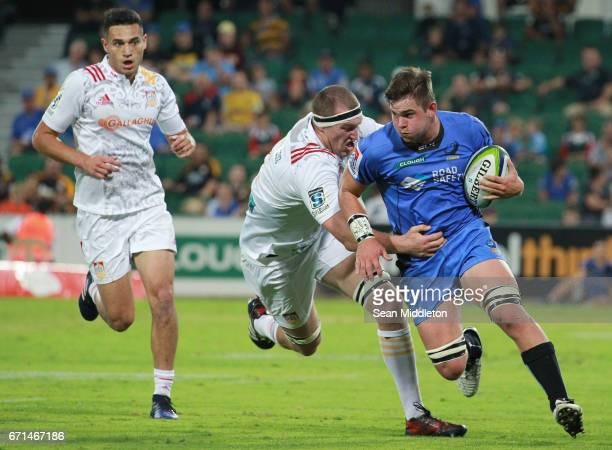 Richard Hardwick of Force and Brodie Retallick of Chiefs in action during the round nine Super Rugby match between the Force and the Chiefs at nib...
