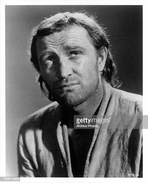 Richard Harris in the role of John Mills in a scene from the film 'Mutiny On The Bounty' 1962