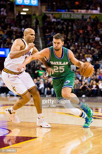 Richard Jefferson of the Cleveland Cavaliers guards Chandler Parsons of the Dallas Mavericks during the first half at Quicken Loans Arena on March 16...