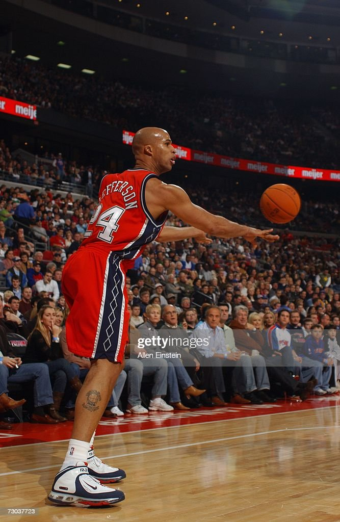 Richard Jefferson #24 of the New Jersey Nets passes during a game against the Detroit Pistons at the Palace of Auburn Hills on December 26, 2006 in Auburn Hills, Michigan. The Pistons defeated the Nets 92-91.